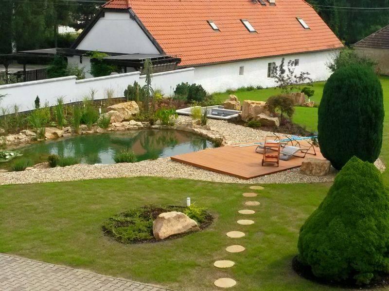 Zahradní jezírka: Koupaci jezirko v obci Železná