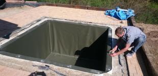 Zahradní jezírka: Bazének u sauny