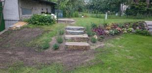 Zahradní jezírka: Schody z čedičových balvanů
