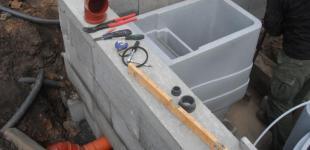 Zahradní jezírka: Stavba jezírka Železná - kompletace strojovny jezírka