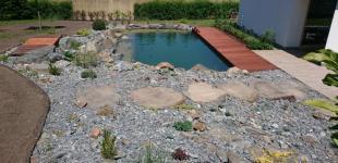 Zahradní jezírka: Stavba koupacího jezírka Klokočná - jezírko je hotové