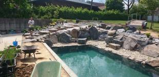 Zahradní jezírka: Stavba koupacího jezírka Klokočná - napouštění vody