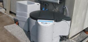 Zahradní jezírka: Stavba koupacího jezírka Předboj - filtrační systém zapojen