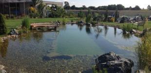 Zahradní jezírka: Stavba koupacího jezírka Předboj - finální stav