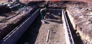 Zahradní jezírka: Stavba koupacího jezírka Předboj - montáž ztraceného bednění
