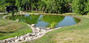 Zahradní jezírka: koupaci jezirko jicin