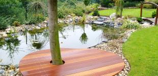 Zahradní jezírka: molo klecany