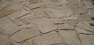 Zahradní jezírka: pískovcová dlažba